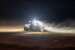 Traktor-auf-dem-Feld-1-scaled
