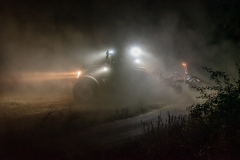 Traktor-auf-dem-Feld-6-scaled