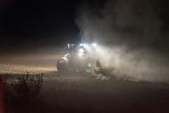 Traktor-auf-dem-Feld-7-scaled