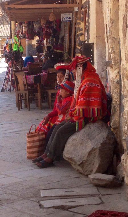 Tradionelle Tracht im Hochland von Peru